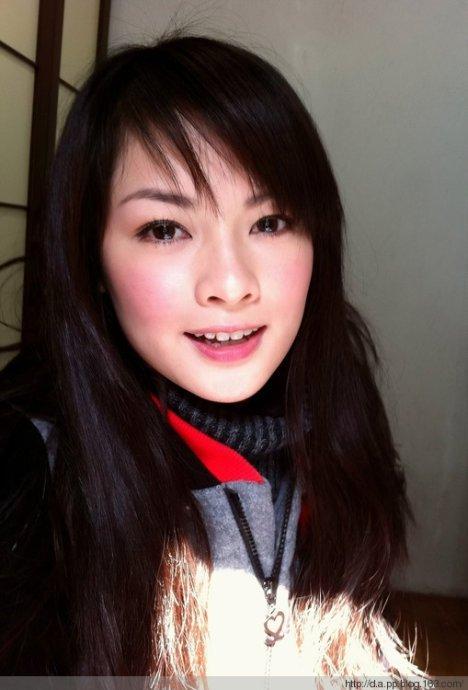 郑钤丹,1990年2月6日生,广东粤剧学校毕业,演员,曾在《七十二家房客