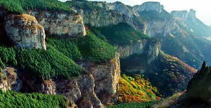 娄敬洞山位于泰山西北麓,山东省济南市长清区张夏镇东南.