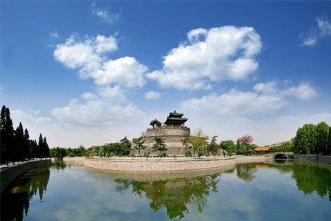 邯郸市位于河北省南部,地处北纬36°20' -44,东经114°03'