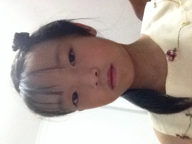 我现在小学四年级女剪什么头发漂亮,短过脖子,不要可爱,要淑女.